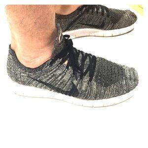 Nike free run fly kit men's black sz 10.5 awesome